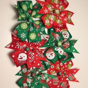 6 Christmas/winter 3 inch hair bows red & green